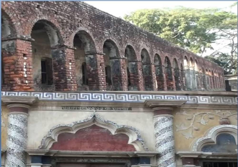 চাঁদপুরে এক বাড়িতে বসবাস করে ৩৬০ টি হিন্দু পরিবার